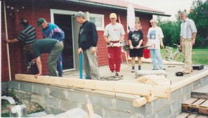 kesäkuussa 2000, rakennettiin ns. kerhohuone ja saatiin yhteinen kokoontumistila yhteisille tilaisuuksille.  Saunan puolella saa edelleen kipakoita löylyjä.